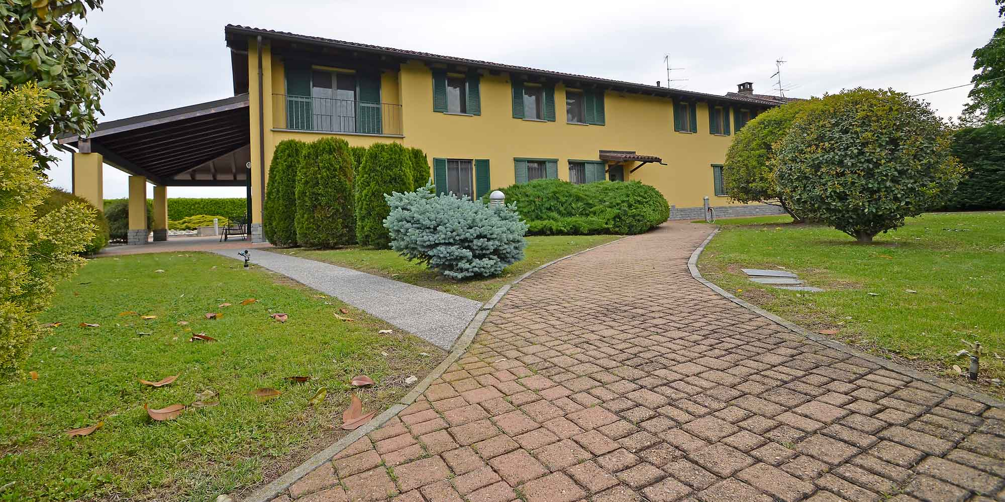 #1341 Detached villa